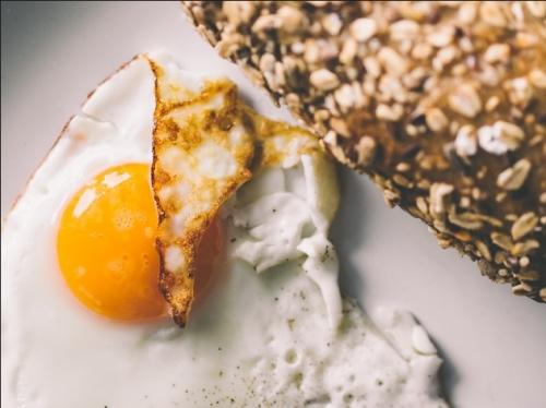 宝宝辅食第一口都选鸡蛋吗?